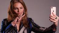 Showcase TV: Stana Katic responde perguntas inusitadas