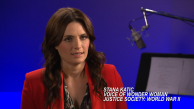 Stana Katic fala sobre dublar Mulher-Maravilha