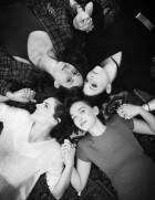 Stana Katic e o elendo do filme Sister Cities