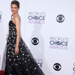 Stana Katic no People's Choice Awards: Fotos e vídeos